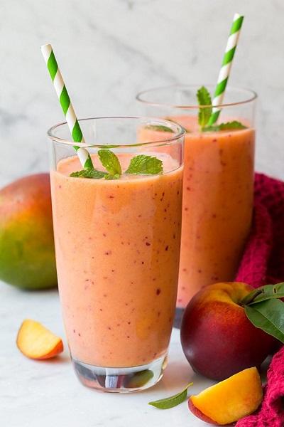 mango_peach_strawberry_smoothie12.